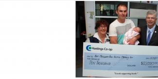 Allan presenting the Port Macquarie Maternity unit a cheque