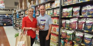 Gabbie and Darren at Wauchope IGA